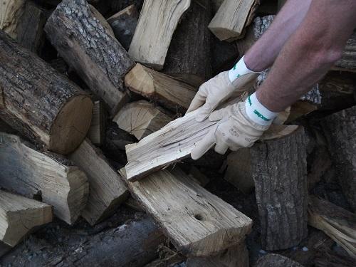 ranger du bois quels gants sont les plus adapt s. Black Bedroom Furniture Sets. Home Design Ideas