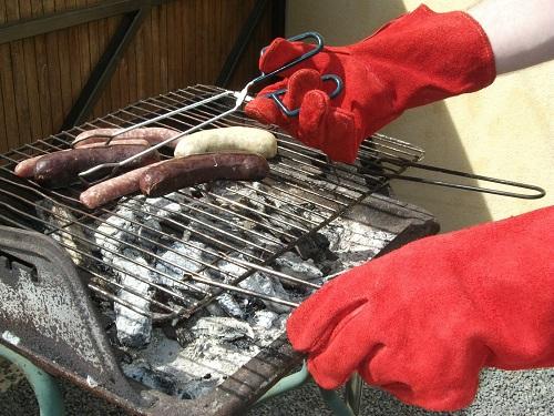 Barbecue, les gants anti-brûlures
